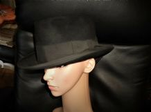 VINTAGE BLACK FELT BOWLER / HOMBURG HAT ROAN LEATHER BAND DUNN & CO PICCADILLY 7